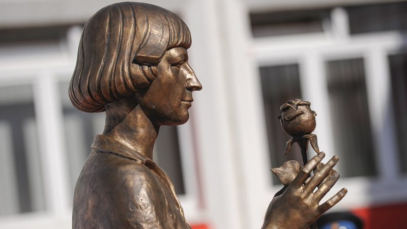 Three poems : Marina Tsvetaeva